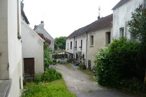 Ecouen rue Paul Lorillon.JPG